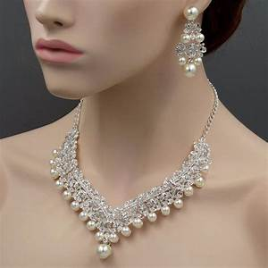Silver plated pearl crystal necklace earrings bridal for Wedding ring necklace