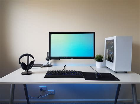 best desk for monitors the most awesome images on the gaming set up 7674