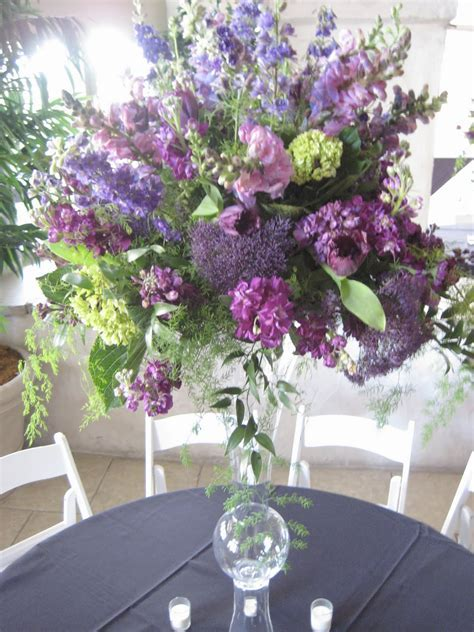 Charming Wedding Table Decoration Using Purple And Green