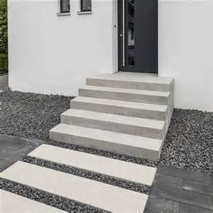 treppe hauseingang haus and garten on