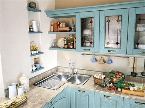cucina  lavello ad angolo cucina  finestra sul lavello