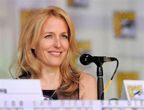 Gillian Anderson and David Duchovny reunite at Comic Con ...