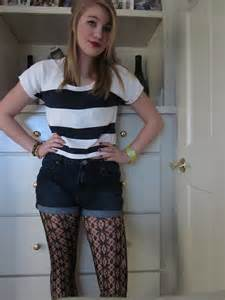 High-Waisted Shorts with Patterned Tights