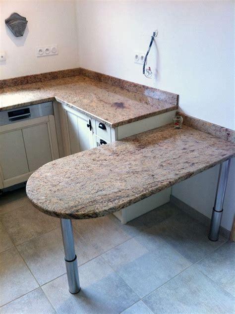 table cuisine marbre plan de travail en granit pour cuisine