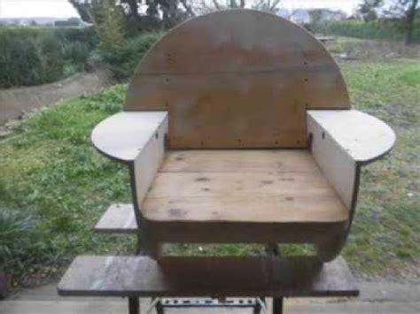 chorégraphie cabaret avec chaise touret recyclé en fauteuil