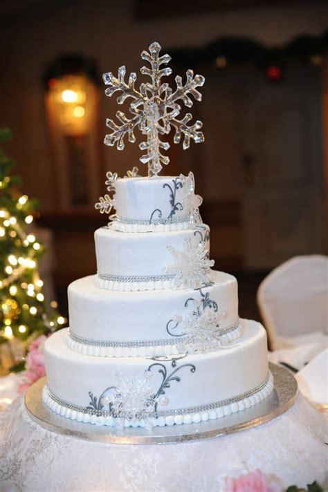 Winter Wedding Cake Ideas Idea In 2017 Bella Wedding