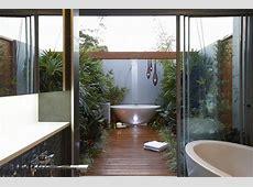 10 EyeCatching Tropical Bathroom Décor Ideas That Will