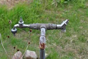 Wasserhahn Für Garten : wasserhahn am freistehenden stahlrohr im garten sitzt fest austauschtricks oder neubau ~ Watch28wear.com Haus und Dekorationen
