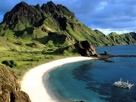 komodo rinca island crossing indonesia