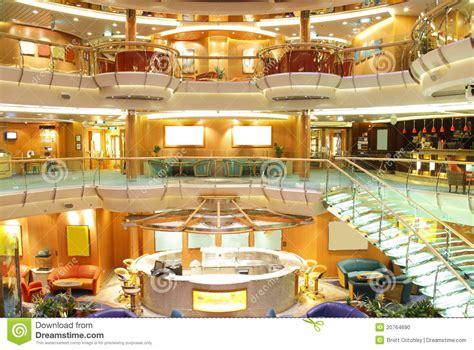 int 233 rieur de luxe de bateau de croisi 232 re image 233 ditorial image 20764690