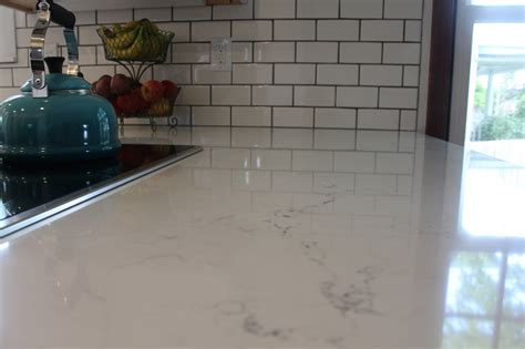 Quartz Countertops Images Clean White Kitchen Cabinets And Quartz Countertops