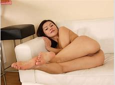 Latina Teen Agnes Teases Her Amateur Pussy While Spreading