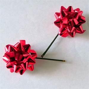Christmas DIY hair decoration for girls Push a bobby pin