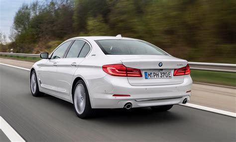 2018 Bmw 530e Iperformance Gets Wireless Charging