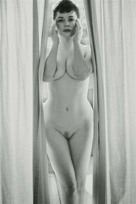 Rose Mcgowan Flaunt Magazine November Nude Photoshoot Video Celebritiesvideo Celebrities