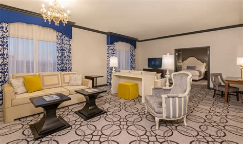 livingroom suites ooh la la paris las vegas hotel rooms get a snazzy makeover las vegas blogs