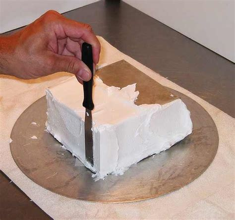 get a cake how to frost a square cake get crisp corners with buttercream cakecentral com