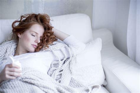 nicht schlafen können gliederschmerzen was hilft die besten 25 was hilft gegen heiserkeit ideen auf