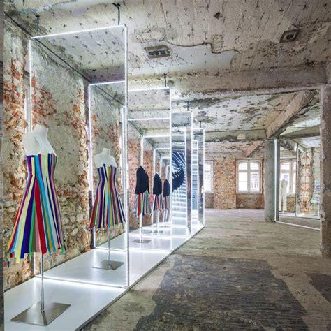 showroom bureau bureau betak 39 s knockout mirrored installation bureaus