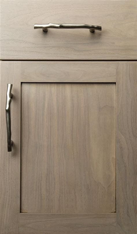 quaker door  flat faced drawercould widen top