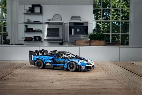Bugatti chiron lego technic has introduced and it is made of 3.599 blocks with scale 1:8. Brickfinder - LEGO Technic McLaren Senna GTR (42123) Official Announcement!