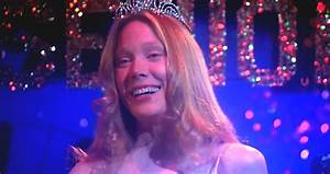 Sissy Spacek Cast in Stephen King's 'Castle Rock' 41 Years ...