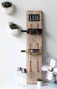 Holzmöbel Selber Bauen : coole bastelidee f r rustikales weinregal selber bauen mit holz und rinnenhalter ideen zum ~ Orissabook.com Haus und Dekorationen