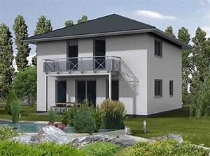 Haus Mit Walmdach : fertighaus 136 wd einfamilienhaus 2 geschosse walmdach ~ Lizthompson.info Haus und Dekorationen
