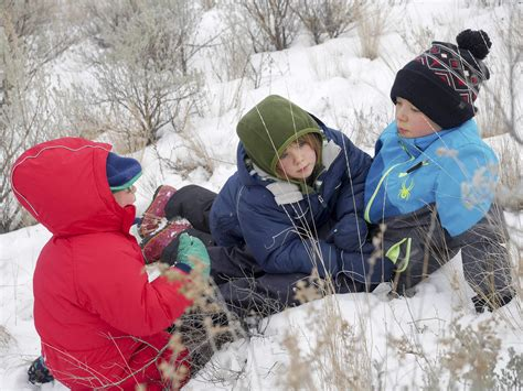 6 Tips for Winter Hiking with Kids – Backwoods Mama