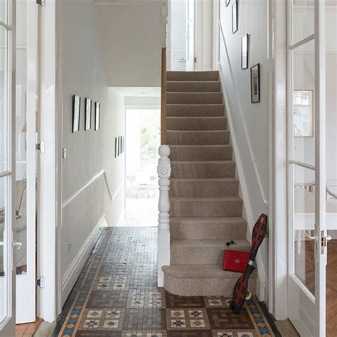 Tile Flooring Ideas For Hallways by White Hallway With Tiled Floor Hallway Decorating