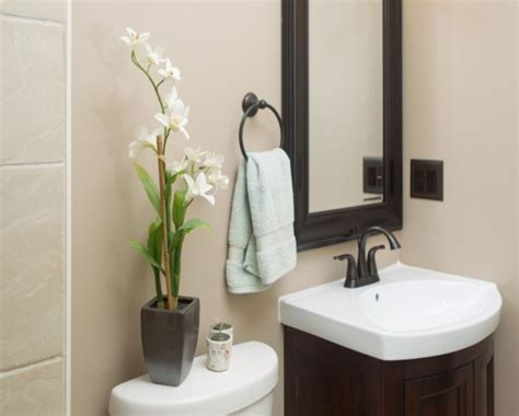 Small Half Bathroom Decor Ideas by Small Bathrooms For Tiny House Small Half Bathroom