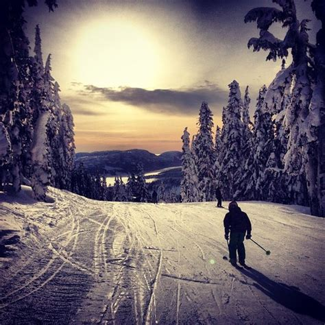 ski resort washington mt