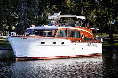 35 Ft Motor Boats For Sale by Neff Yacht Sales Used 45 Foot Chris Craft Flybridge