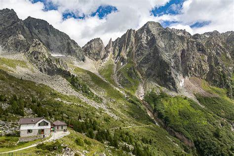 adamello vergletschertes granitgebirge  den suedalpen