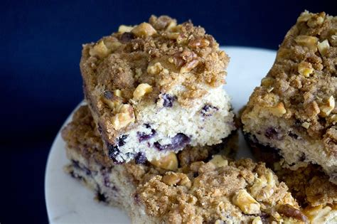 Easy and quick to make and always pretty. Favorite Blueberry Coffee Cake - Oat&Sesame