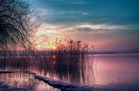 lac au coucher du soleil  ultra hd wallpaper