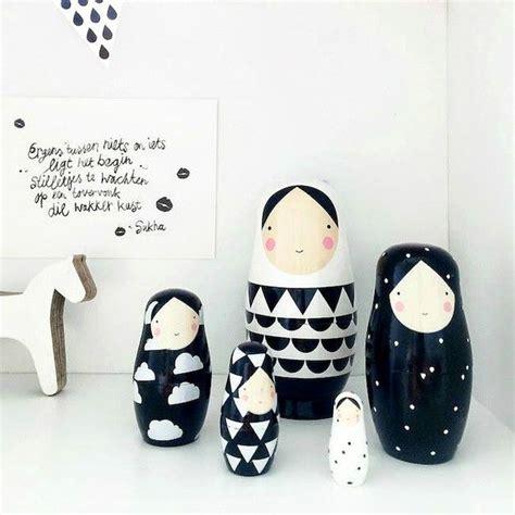 Kinderzimmer Deko Weiss by Matroschka Puppen In Schwarz Und Wei 223 Dolls In Black And