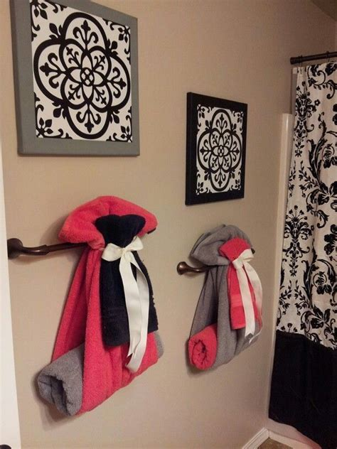 Bathroom Towel Decorating Ideas by Way To Hang Towels For Guest Bathroom Diy Home