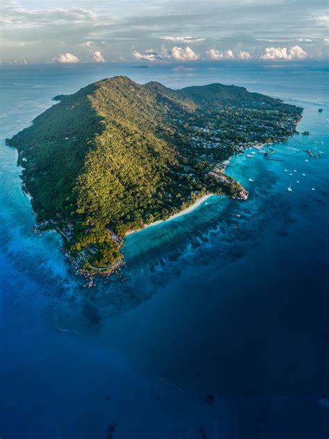 la digue island dronestagram