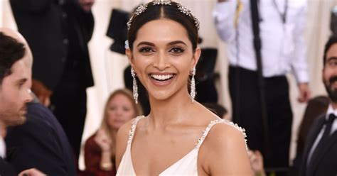 Deepika Padukone Looks Awesome In These Latest Pics