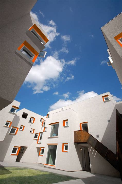 micro housing development  winnipeg accommodates  families