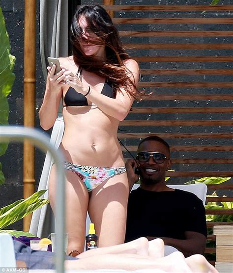 jamie foxx bikini jamie foxx relaxes in maui with daughter annalise and her