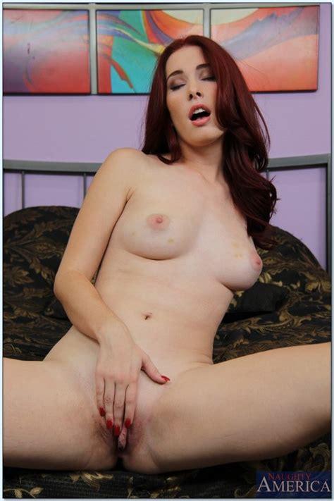 redhead pretty woman melody jordan humping on cock moms