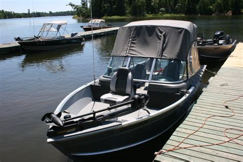 Lund Boat Windshield by Boat Motor Rentals Indianhead Lodge
