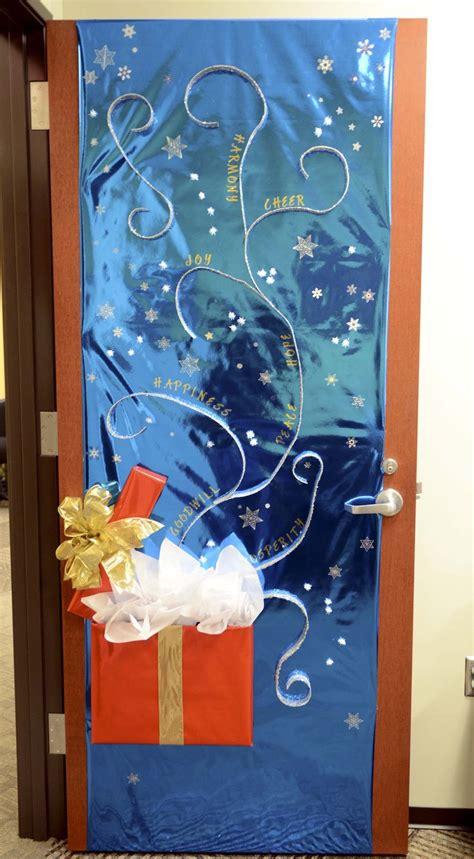 Door Decorating Contest Ideas by 25 Unique Door Decorations Ideas On
