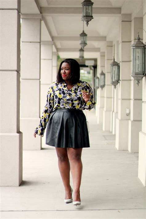shapely chic sheri  size fashion  style blog  curvy women leather weather
