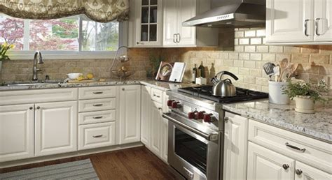 Kitchen Backsplashes With White Cabinets by Backsplash Ideas For White Cabinets Kitchen Backsplash