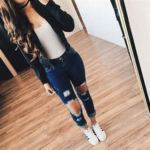 Love this outfit! YES? credit @elsyootd #americanstyle back to school outfits.   Outfits!!..