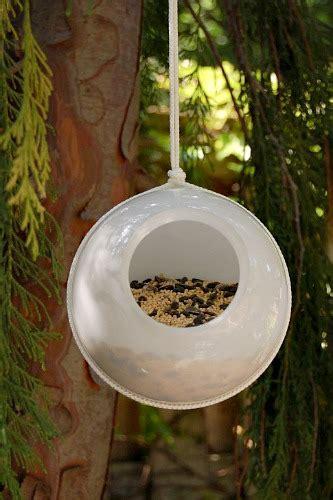 easy kids crafts diy bird feeders ideas   dollars  month