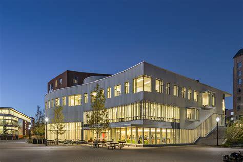 commonwealth honors college university  massachusetts